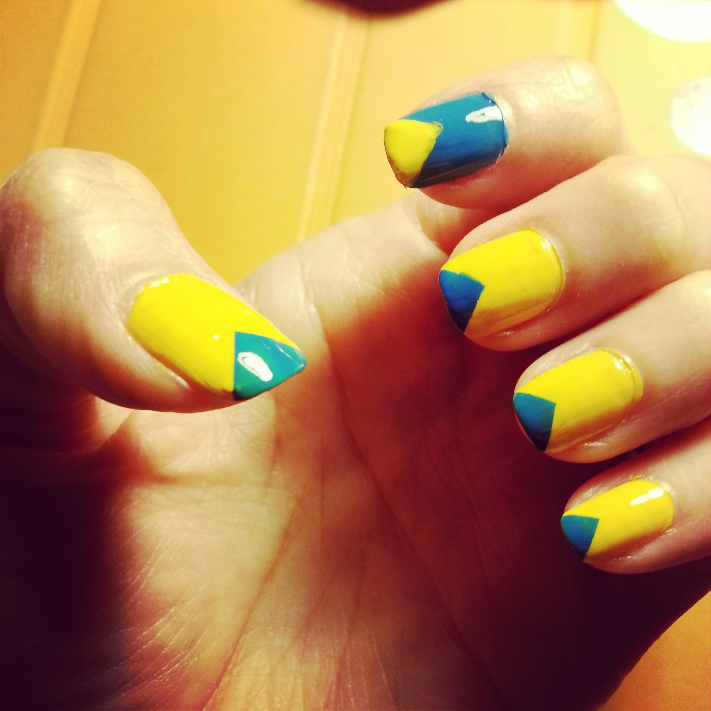 Simple Blue & Yellow Triangle Nail Art Tutorial | munkie VS the world